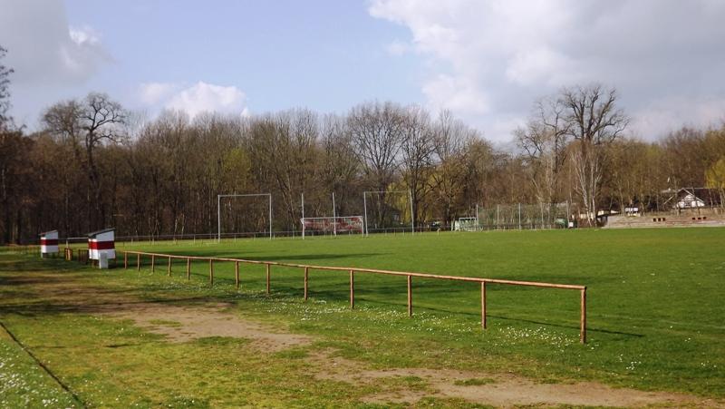 Platzanlage Groß-u. Kleinfeld, Tribüne